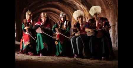 Turkmenen-Gruppe 01_620x320